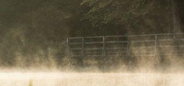 Brugje in de ochtendnevel van Guido Rooseleer