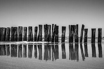 golfbreker in zee 2 van Peter Heins
