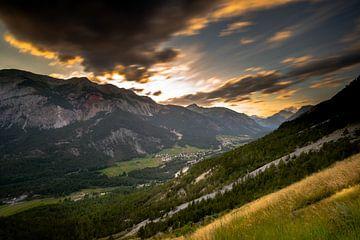 Französische Alpen bei Sonnenuntergang von Damien Franscoise