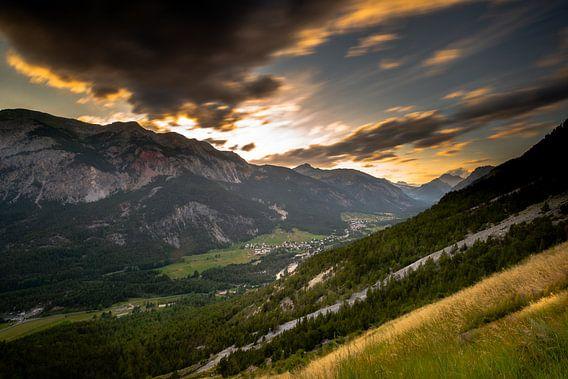 Franse Alpen bij zonsondergang