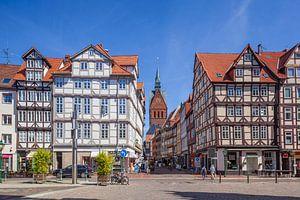 Altstadt mit Fachwerkhaeusern und Marktkirche am Holzmarkt mit Blick in die Kramerstrasse,  Hannover