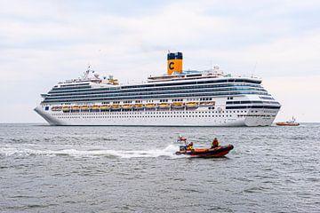 Cruiseship Costa Fortuna met de KNMR