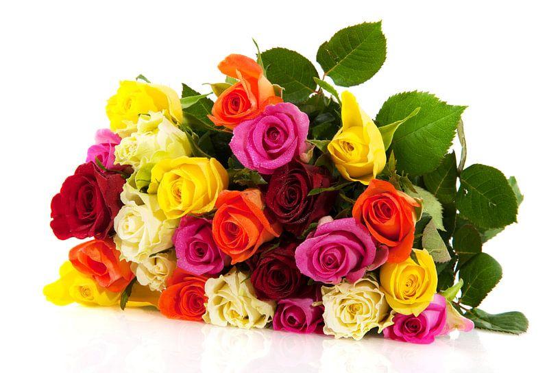Boeket kleurige rozen van Ivonne Wierink