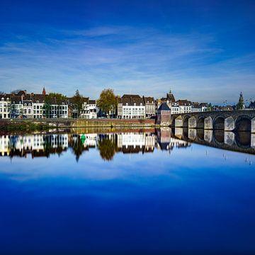 Maastricht in blauen Reflexen von Teun Ruijters