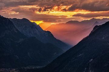 Sonnenaufgang in Bürserberg von Rob Boon