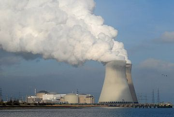 Kerncentrale van Doel van Rafael Delaedt