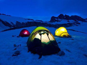 Camping im Schnee von Menno Boermans