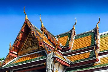 Dakgevel Tempel Wat Pho in Bangkok Thailand van Dieter Walther