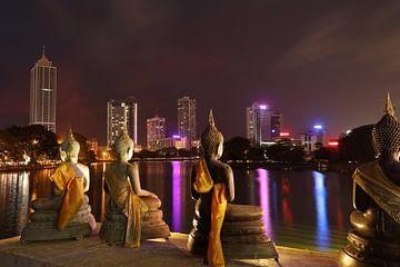 De skyline van Colombo in Sri Lanka van Roland Brack