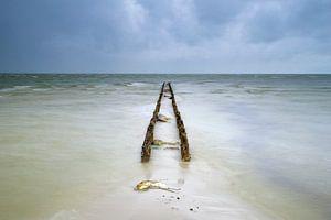 Dunkle Wolken über dem IJsselmeer von Richard Gilissen