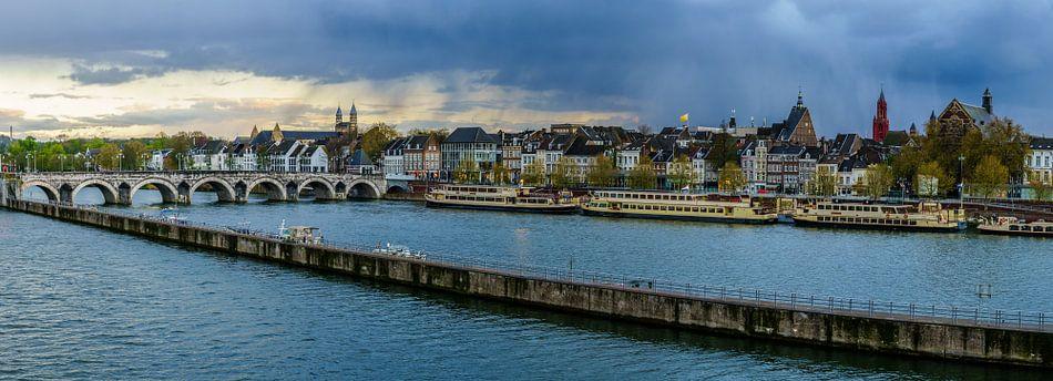 Maastricht - Mestreech met dreigende wolken I