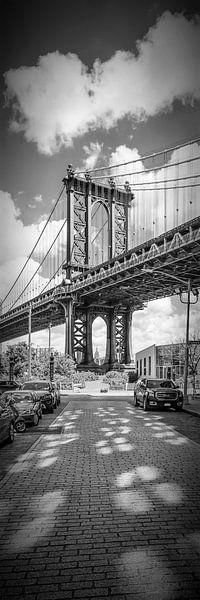 NEW YORK CITY Manhattan Bridge | Panorama verticale  van Melanie Viola