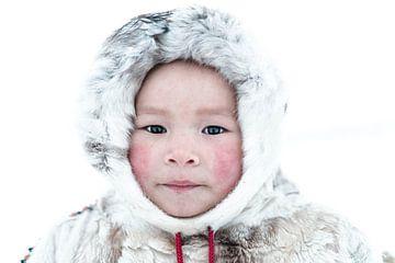 Nenet-Mädchen in Sibirien von Milene van Arendonk