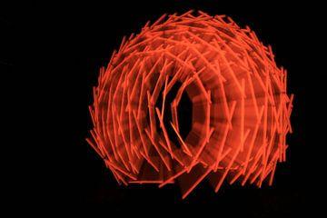 Nest licht kunst rood2 van Saskia Hoks