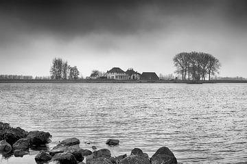 De Rijn in zwart-wit van Mark Bolijn