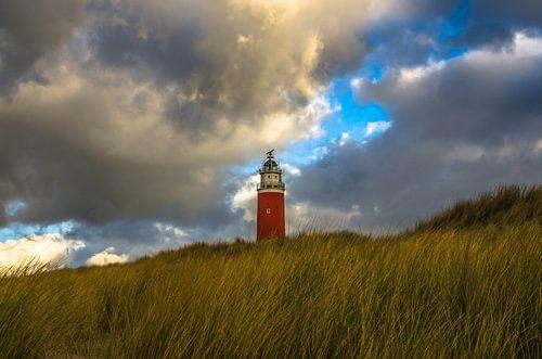 Eierland Vuurtoren achter de Texelse duinen