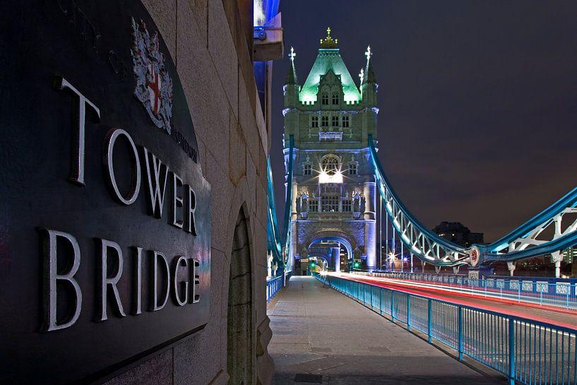 Tower Bridge detail te Londen van Anton de Zeeuw