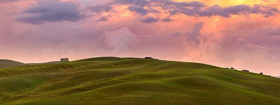 Toscaans landschap panorama II van Teun Ruijters