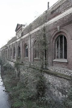 Verlaten fabriek von Fatima Maria Mernisi