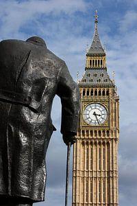 London ... Big Ben and Churchill statu
