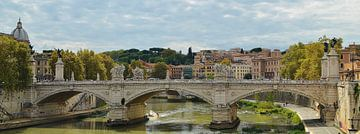 Brug over de Tiber in Rome van Hannie de Graaff