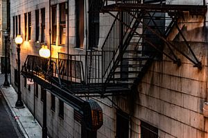 Brandtrap gietijzer en lantaarns in Chicago van