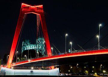 Willemsbrug bij nacht van MK Audio Video Fotografie