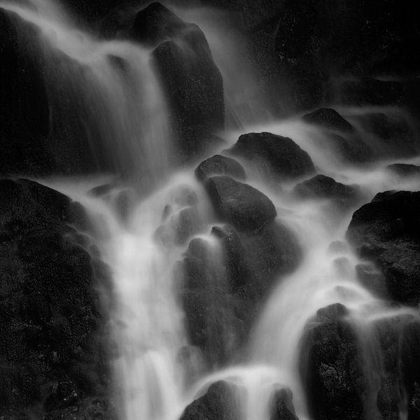 Tendon's Waterfall in France van Louis-Thibaud Chambon