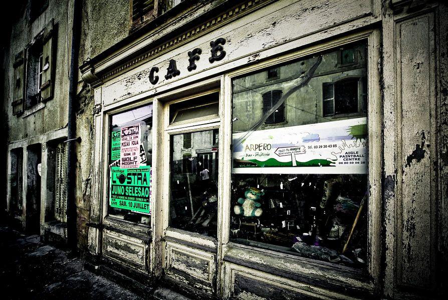 CAFE van Jacqueline Lemmens