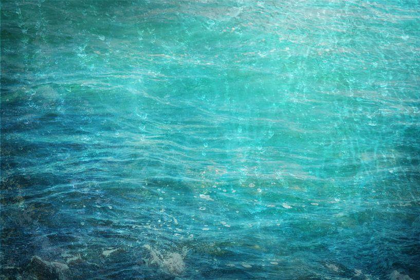 Natuurelement Water, abstracte achtergrondtextuur in blauw en turquoise, voor thema's als zee, oceaa van Maren Winter