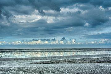 De Waddenzee nabij Paesens Moddergat in de herfst van Harrie Muis