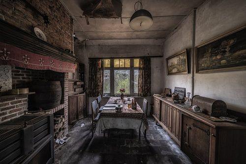 Huiskamer van een verlaten huis in België