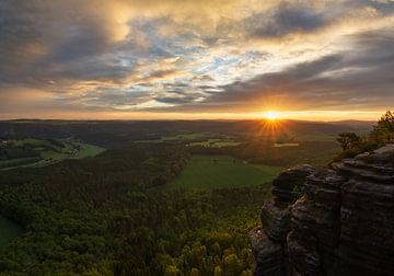 Lilienstein mountain in Saxon Switzerland. sur Jos Pannekoek