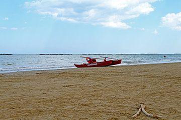 Strand bij Senigallia in de Marche - Italië van Maren Oude Essink
