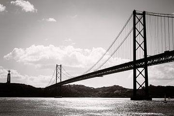 Brücke des 25. April - Lissabon von Karin Verhoog