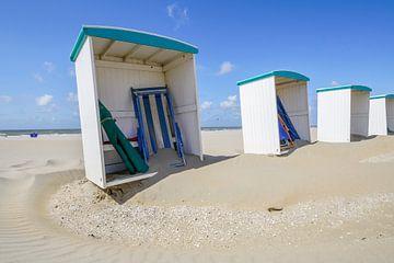 Strand cabines aan het Katwijkse strand van Dirk van Egmond