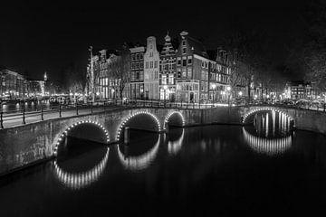 Amsterdam le soir en noir et blanc - Keizersgracht sur Tux Photography