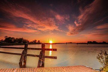 Reitdiep bei Electra bei Sonnenuntergang. von Henk Cruiming