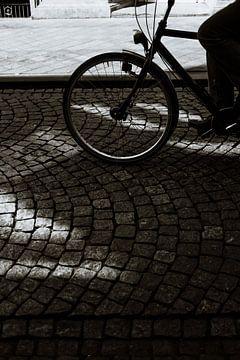 Stad Maastricht Wyck | Nederlandse fietser in de binnenstad | Kinderköpkes van eighty8things