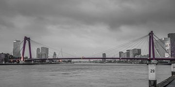 Rotterdam Willemsbrug (67156) van John Ouwens