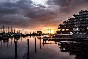 Zonsondergang bij hotel Newport. von Vincent Snoek