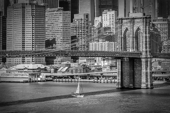 NEW YORK Brooklyn Bridge & Horizon van Manhattan van Melanie Viola