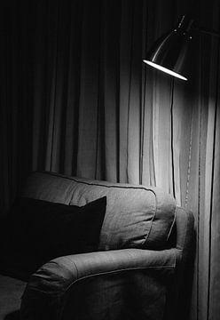 Sessel im Rampenlicht von Natalia Balanina