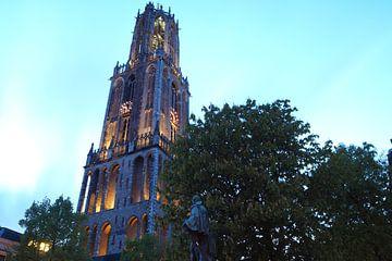 De Dom in Utrecht in Schemering van Nick Hartman