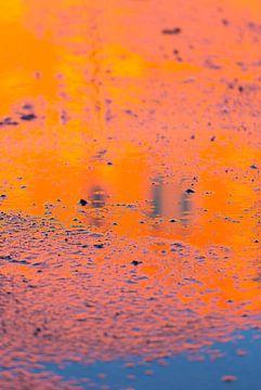 Oranje reflectie van Sander van der Werf