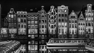 Schwarz - Weiß: Damrak in der Nacht von Rene Siebring