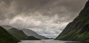 Fjorden Noorwegen van Marcel Kerdijk