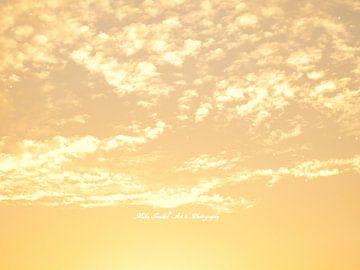 Golden Sky van Mika Iwakiri