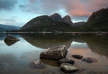 Spiegelfjord von Nico Olsthoorn