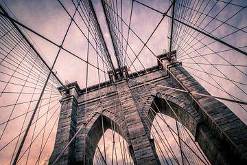 Brooklyn Bridge in zachte tinten van Bert Nijholt